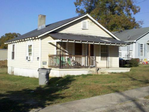 103 Bell St Photo 1