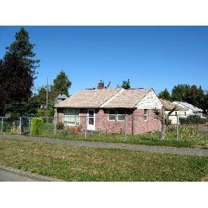1722 SW Cloverdale Street Photo 1