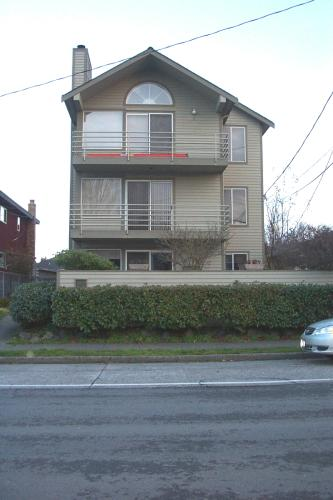 3022 63rd Ave SW Photo 1