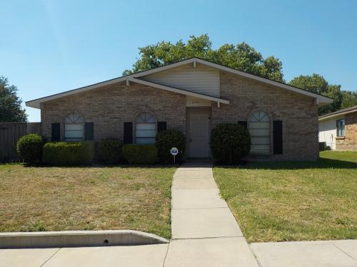 3101 Kenwood Drive Photo 1