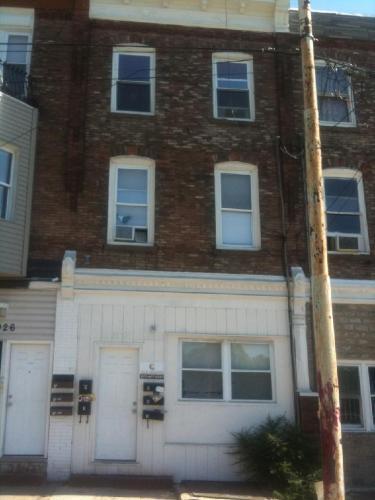 7028 Woodland Avenue Photo 1