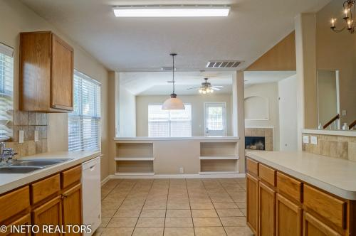 2819 Foster Hill Drive Photo 1