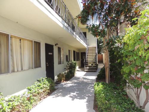 736 Orizaba Avenue Photo 1