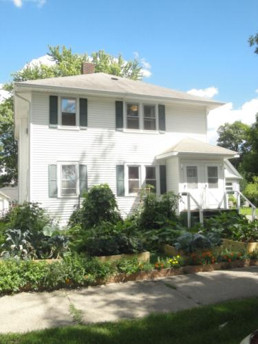 408 Russell Avenue N Photo 1