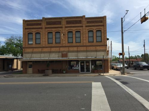 201 N Main St Photo 1