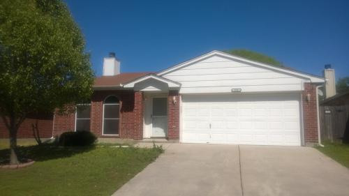 523 Hollyberry Dr Photo 1