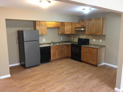 Newly remodeled 2 bedroom 2 bath apartment Photo 1