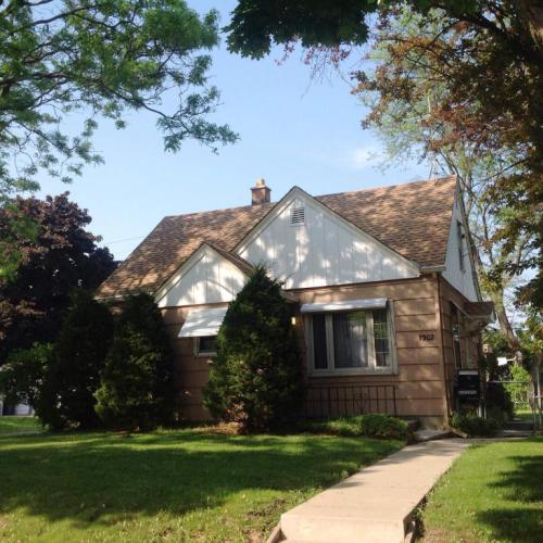 7302 W Medford Ave Photo 1
