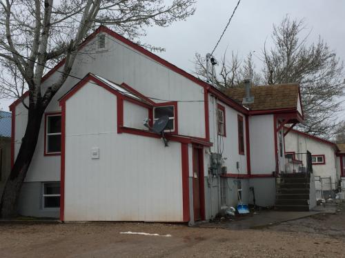 208 1/2 E Pine St Photo 1