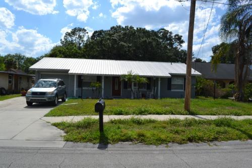 4910 Seminole Avenue Photo 1