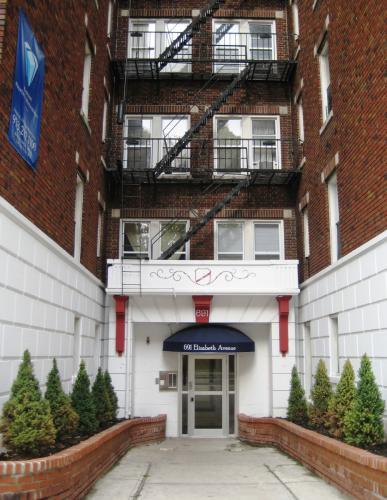 691 Elizabeth Avenue Photo 1
