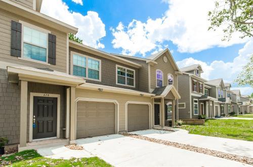 43 Woodland Hills Drive Photo 1