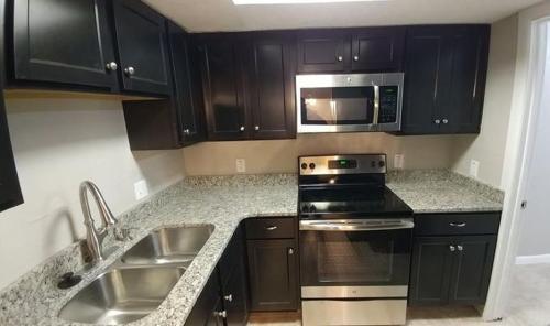 6409 S Englewood Avenue Photo 1