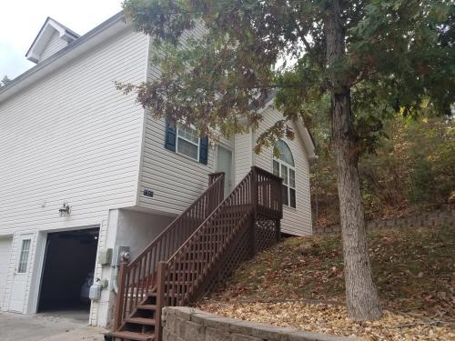 1350 Springview Drive Photo 1