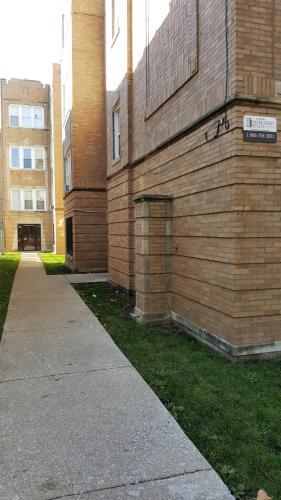 638-40 N Avers Avenue Photo 1