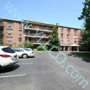 1-2 Bed 1.5-2 Bath $950-$1,350 313 Creek Road, ... Photo 1