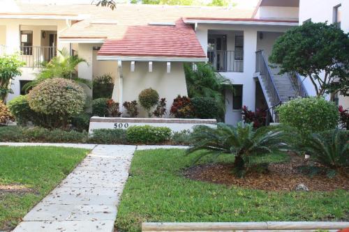 300 S Florida Avenue Photo 1