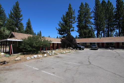 2440 Lake Tahoe Boulevard Photo 1