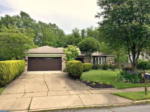 36 Lakeview Dr Photo 1