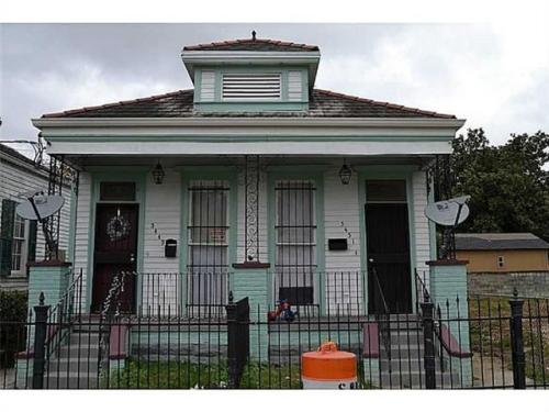 5451 Chartres Street Photo 1