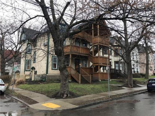 629 Summerlea Street Photo 1