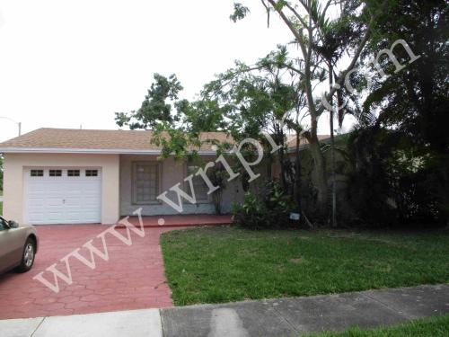16803 SW 107th Place Photo 1