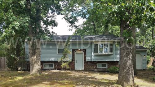1608 White Oak Lane Photo 1