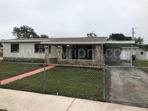 1350 NE 210th Terrace Photo 1