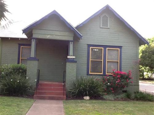 4412 Red River St Photo 1