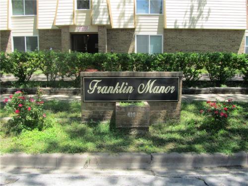 410 W Franklin St 8 Photo 1