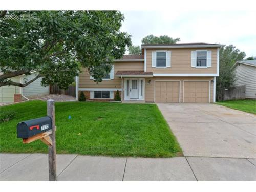 7675 Bell Dr Photo 1