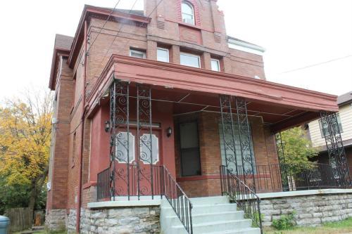 746 Greenwood Avenue #2 Photo 1