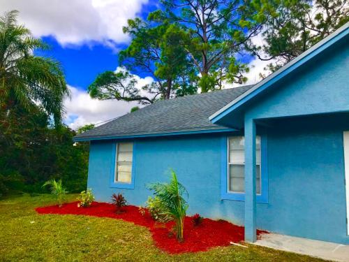16701 E Mead Hill Drive E Photo 1