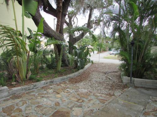 1630 Pineapple Avenue Photo 1