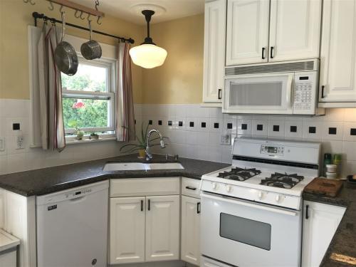 3645 Villa Terrace Photo 1