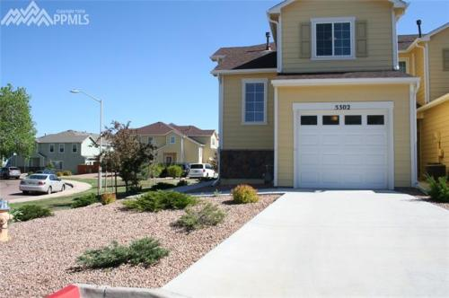 5302 Canadian Rose View Photo 1