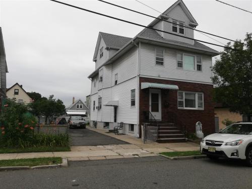113 Wood Street Photo 1