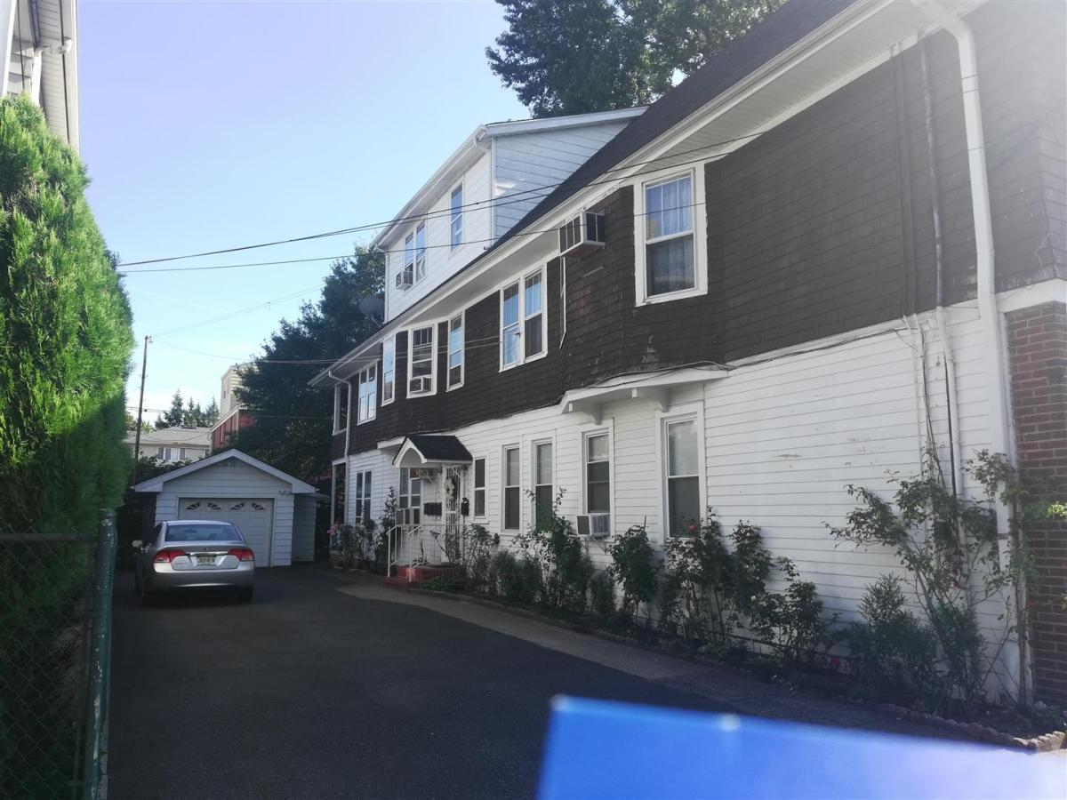 114 Plauderville Ave Apt 3 Garfield Nj 07026 Hotpads
