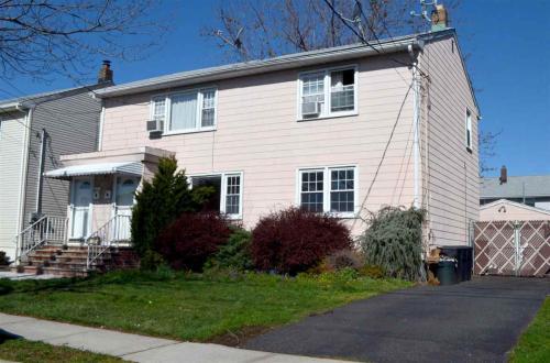 705 Hudson Ave Photo 1