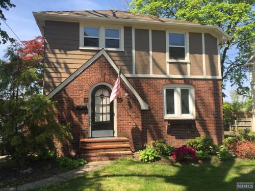 293 Wiley Pl Photo 1