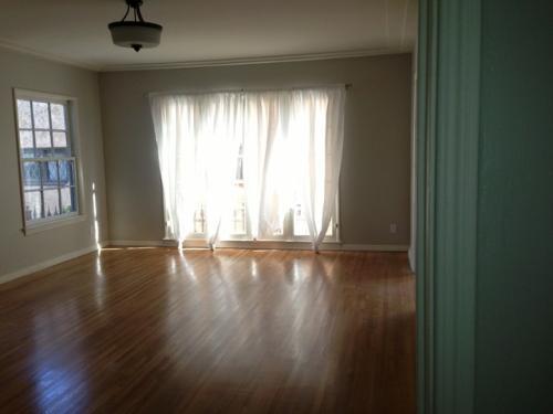 1289 S Burnside Avenue Photo 1