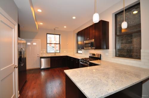 3817 S Wabash Avenue Photo 1