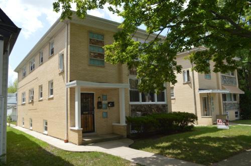 5055 W Ainslie Street Photo 1