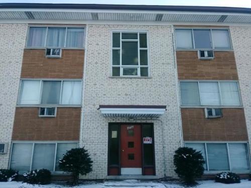 4752 N Olcott Avenue Photo 1