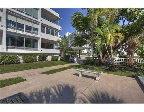 10240 Collins Ave Photo 1
