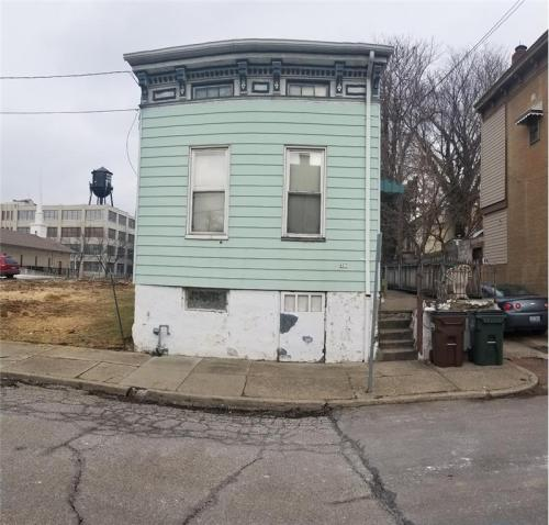 637 Roberts Street Photo 1