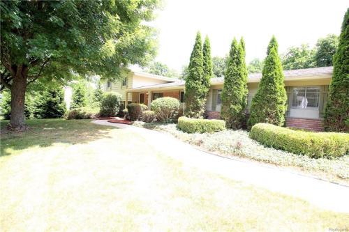 4175 E Newland Drive Photo 1