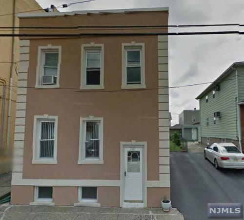 242 Macarthur Avenue #1 Photo 1