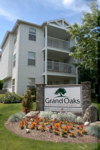 Grand Oaks Photo 1