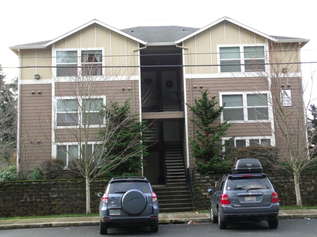 657 NE 162nd Avenue Photo 1